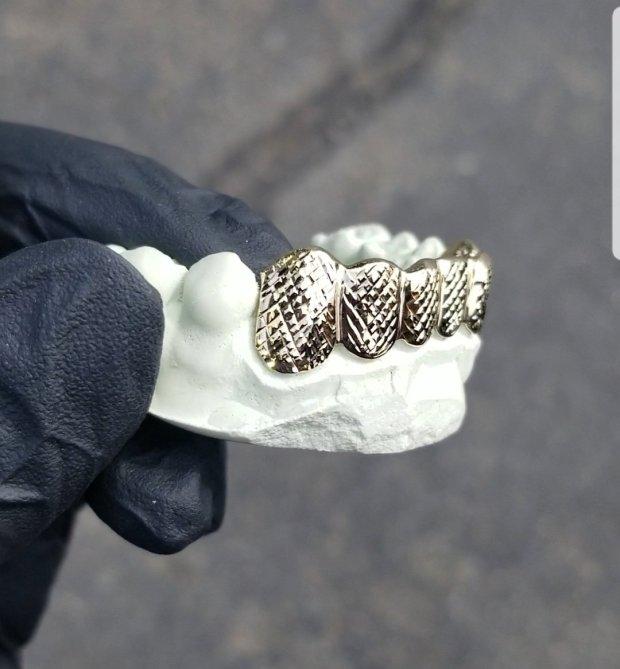 GRILLS   DIAMOND LYFE